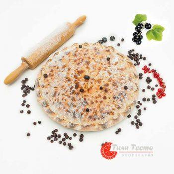 Осетинский пирог со смородиной